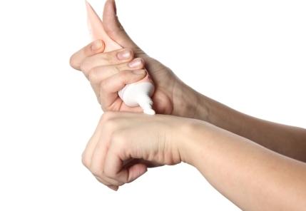 moisturising cream hands
